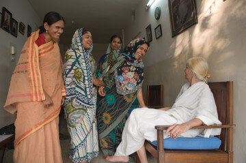 Surayia and some of the women of Arshi